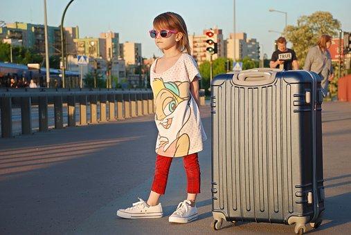 Las maletas infantiles harán sentir a los peques parte del viaje.