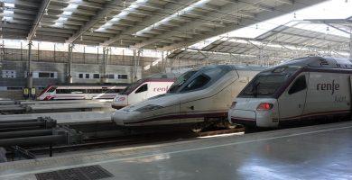Trenes de Renfe, varios tipos Ave, Avant...
