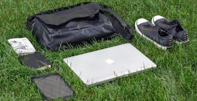 Mochila o Maleta para Ordenadores, Tablets y Netbook en Color Negro Tipo Bandolera