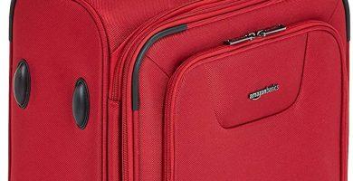AmazonBasics - Maleta con ruedas de calidad superior, expandible, con lados blandos y cierre con candado TSA, 53 cm, Rojo