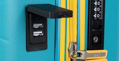 Lois - Maleta Pequeña de Cabina para Viaje Corto. Puerto USB. 4 Ruedas Trolley 55 cm. ABS. Equipaje de Mano. Rígida Cómoda y Ligera. Low Cost. Candado TSA.