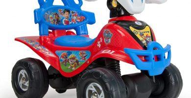 Quad Correpasillos Patrulla Canina para Niños y Niñas de 1 a 3 Años con Arco de Seguridad y Mango de Empuje, Color Rojo y Azul, 56.1 x 39.4 x 34.5